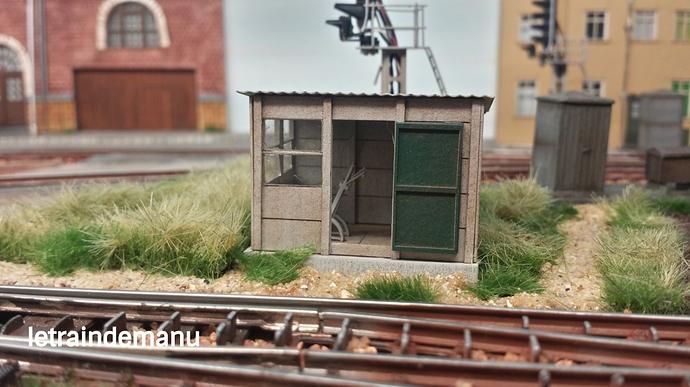 letraindemanu (905) cabine aiguillage cités miniature.jpg