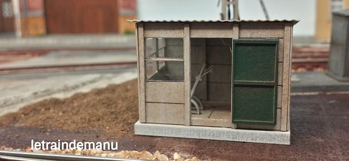 letraindemanu (903) cabine aiguillage cités miniature.jpg