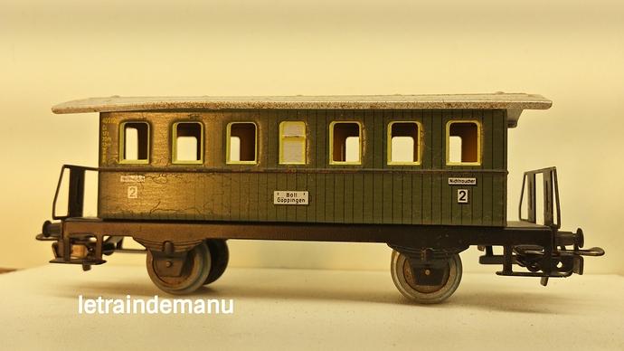 letraindemanu (840) voiture voyageur tinplate Marklin 4040.jpg