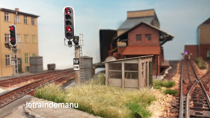 letraindemanu (906) cabine aiguillage cités miniature.jpg