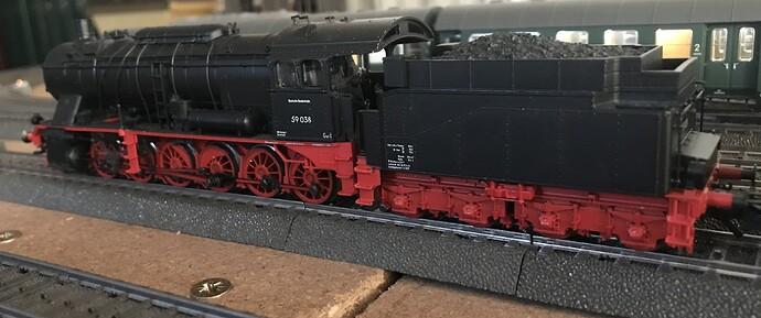 MK37058 d