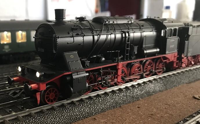 MK37058 c