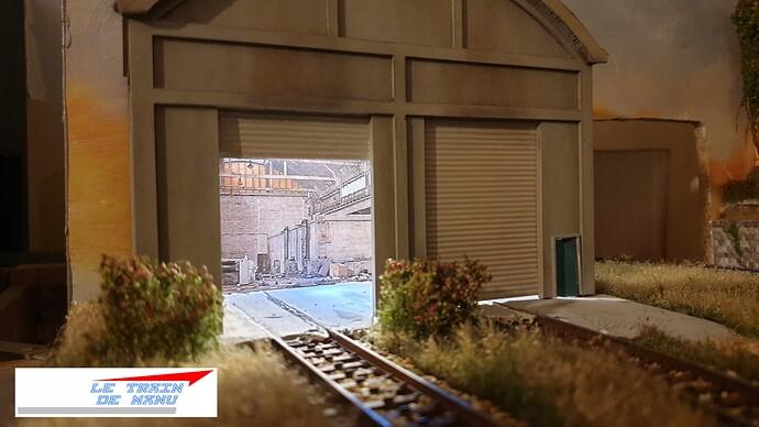 letraindemanu (2063) tuto Remise à locomotives dépôt Ho type béton Cités miniatures
