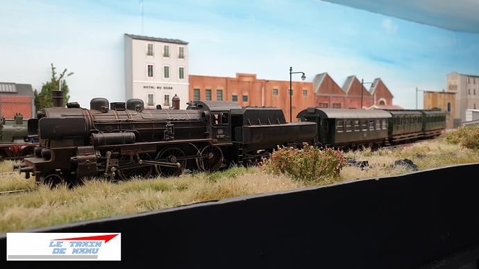 letraindemanu (1767) locomotive Br38 DB Märklin tractant la navette ouvrière