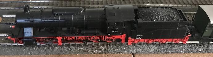 MK37058 e