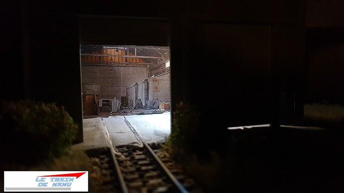 letraindemanu (2065) tuto Remise à locomotives dépôt Ho type béton Cités miniatures