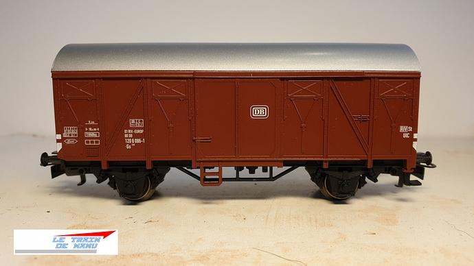 letraindemanu (1574) patine wagon couvert ho marklin 4410.jpg