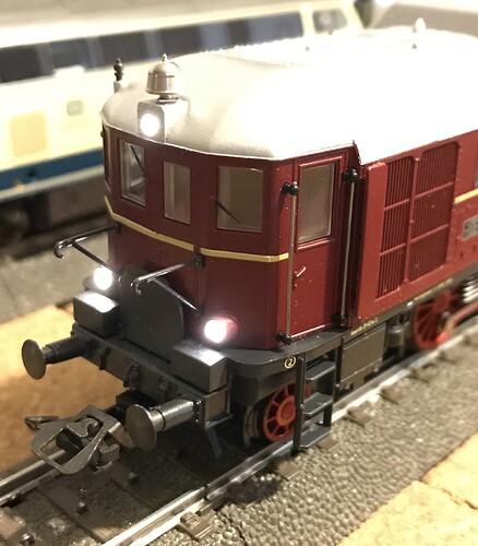 MK34210 - V140 b