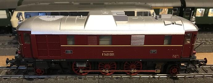 MK34210 - V140 a