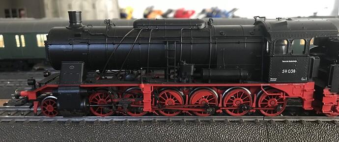 MK37058 a